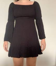 Vestido preto simples