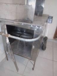 Troco carrinho de churrasco com compartimento de refrigerante.por computador completo