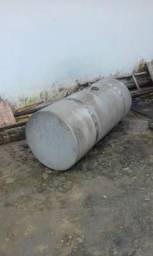 Tanque de combustivel de carreta otimo estado sem qualquer furo fone:988802079 - 2018