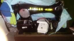 Maquinha de costura Singer modelo antigo elétrica motor novo tudo novo