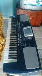 Vendo esse teclado PA 500