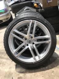 Vendo roda aro 17 com 4 pneus novos - 2012