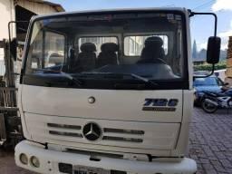 Caminhão 3/4 Mercedes 712 - 2000