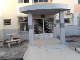 Apartamento condomínio Arnon de Melo