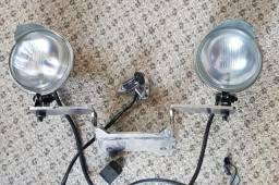 Faróis auxiliares (farolete) para moto custom