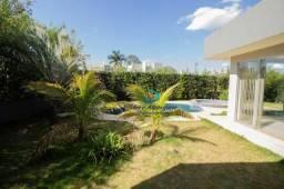 Ótima casa térrea Condomínio Villaggio do Engenho com 4 dormitórios e piscina