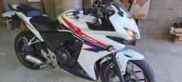 CBR500 moto muito nova