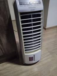 Climatizador Eletrolux com reservatório de agua