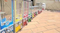 Vending Machine Máquina de Venda Automática de Brinquedos, Chicletes e Bolinhas