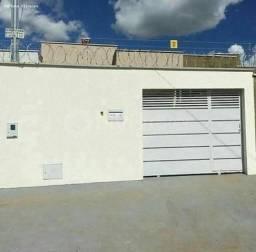 Casa para Venda em Trindade, Setor Cristina II Expansão, 2 dormitórios, 2 banheiros, 3 vag
