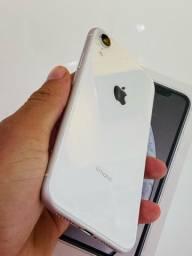 iPhone XR Branco 128GB em perfeito estado.