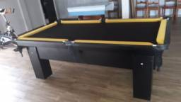 Mesa Charme Quatro Pés Cor Preta Tecido Preto e Borda Amarela Mod. OSZK6023
