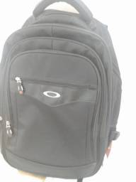 Vendo mochila nova grande oakley Araçatuba