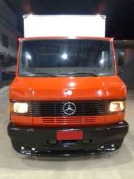 Caminhão 709