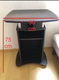 Mesa de cabeceira (criado-mudo)