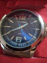 Vendo relógio masculino prova de água mondaine
