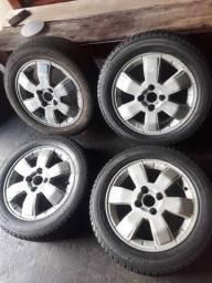Vendo roda 15 da Montana com pneus