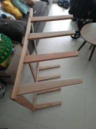 Vendo rack de parede para 4 pranchas