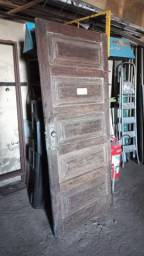Título do anúncio: Porta de Madeira Completa