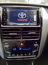 Título do anúncio: Toyota Yaris 2021 com 17.000km muito novo!