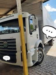 Caminhão 15 180 ano 2011