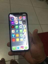 iPhone XR e um AirPods Pro original