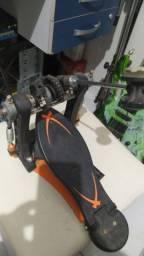 Pedal de bumbo de bateria novo pouco usado