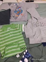 Título do anúncio: Lote de roupas menino 22 peças, 12 à 18 meses Gap, carters, Marisol...