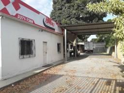 Alugo casa no bairro Shell para fins comerciais