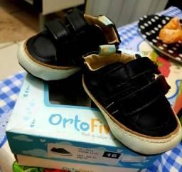 Sandalia e sapatinho para bebe sapato 16 sandalia 18 pouco usado