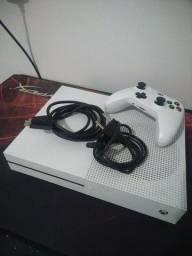 Xbox ONE S 1 TB 1 Controle