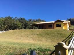 Linda Chácara de 1.000 m² na Região de Delfim Moreira- Sul de Minas Gerais.