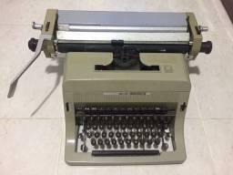 Máquina de Escrever olivetti LINEA 88