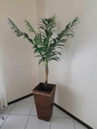 Vaso com palmeira artificial