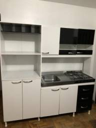 Cozinha compacta com fogão