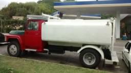 Caminhão Pipa Ford