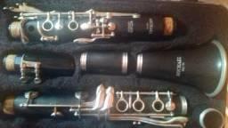 Clarinete com da capo e palheta e partituras