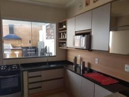 Casa com 3 dormitórios à venda, 134 m² por R$ 730.000,00 - Vale da Colina - Volta Redonda/