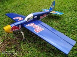 Aeromodelo Rede bull