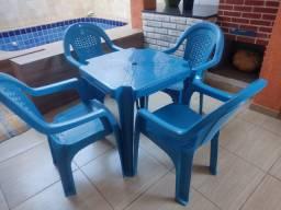 Jogo de mesa c ,4 cad Novo/ Azul com garantia e resistência