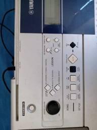 Teclado Yamaha PSR E323