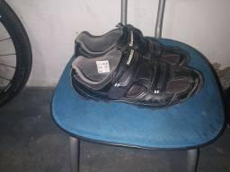 Vendo sapatilha e Coroa