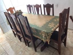 Mesa em madeira maracatiara