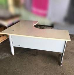 Mesa de escritorio/estudo de canto