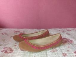 Sapato marrom com rosa