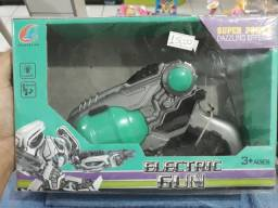Pistola robô com luzes