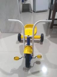 Triciclo em perfeito estado