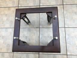 Mesa de quanto em madeira