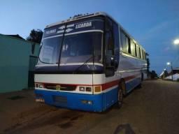 Ônibus Volks 16180 Motor dianteiro
