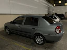 Clio sedã 1.0 completo 17500